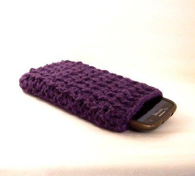 Custodia smartphone a uncinetto in lana (art. 44_Viola)