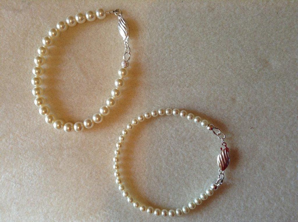 Bracciale perle crema due misure