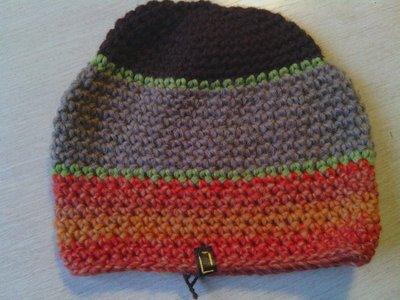 _cappello uomo donna in lana a righe  fatto a mano all'uncinetto C051
