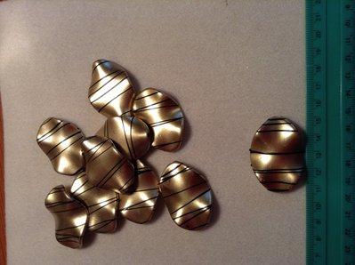 Perlina plastica colore oro