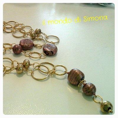 collana lunga catena oro, perle di vetro con pendente