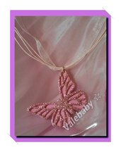 Collana con farfalla rosa glitterata