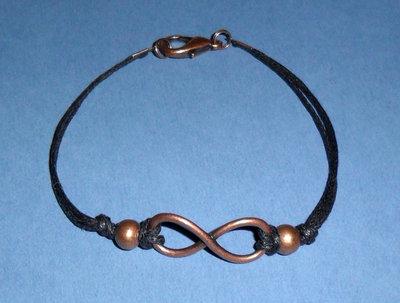 Infinity San Valentino - Braccialetto linea Infinito con beads in rame e cordino cerato nero