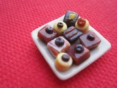 1/12 MINIATURE - piatto con cipoccolatini - chocolates plate dish