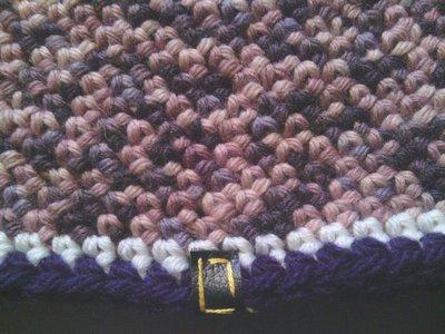 _cappello  donna  ragazza in lana   ,fatto a mano all'uncinetto C061