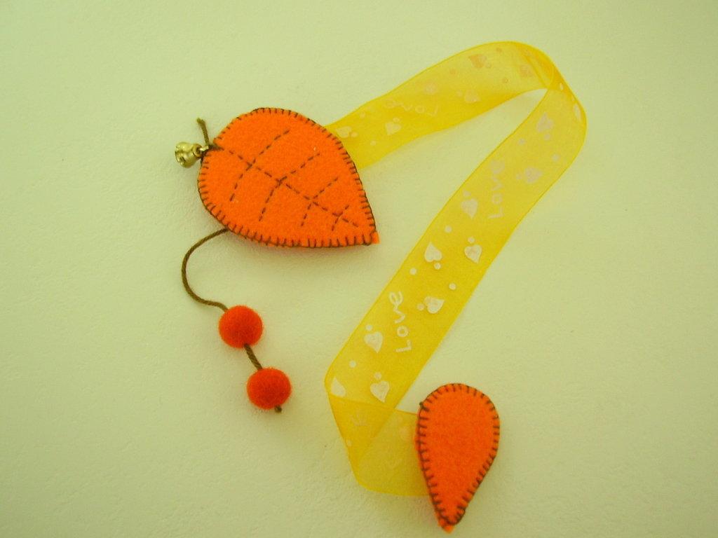 fermatende con calamita in feltro arancione