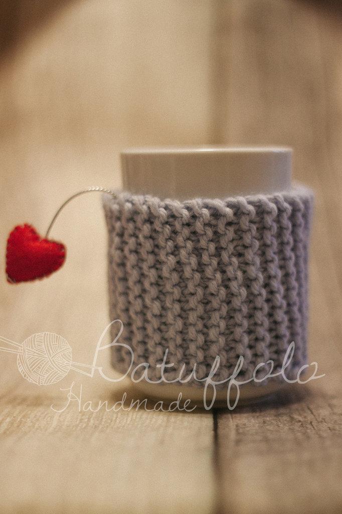 Copri tazza - mug fatto a maglia con cuore ; BatuffoloHandmade