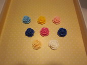 4 rose colorate forate