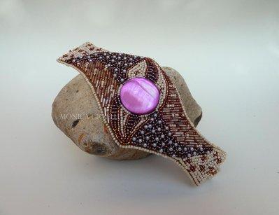 """Bracciale con pietre e perline fatto a mano con tecnica embroidery """"Flower"""""""