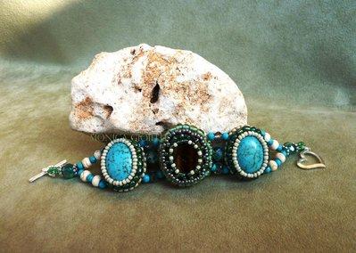 """Bracciale con pietre e perline fatto a mano con tecnica embroidery """"Spoon River"""""""