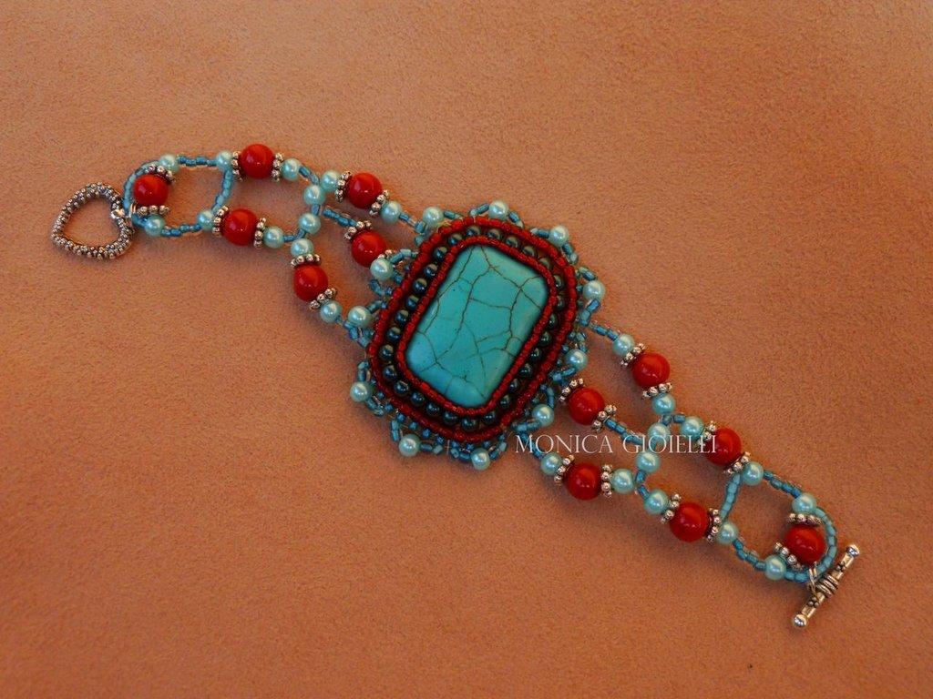 """Bracciale con pietre e perline fatto a mano con tecnica embroidery """"Bacche di goji"""""""