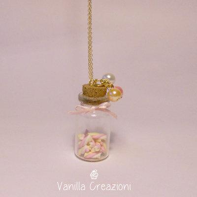 Collana con bottiglietta di Marshmallow in Fimo
