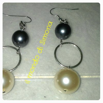 orecchini pendenti perle avorio e grigie