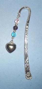 Segnalibro con cuore e perle in vetro