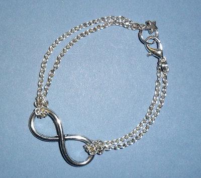 Braccialetto Infinity imitazione Tiffany simbolo infinito con catenina