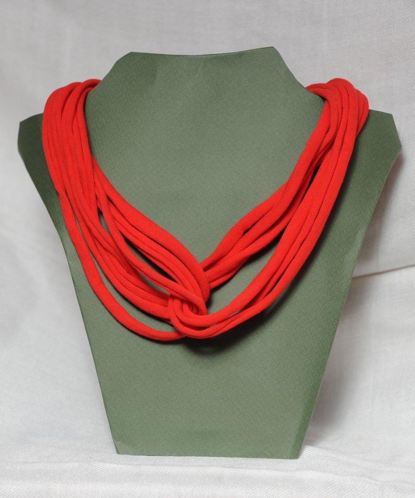 Collana strangolino rossa in cotone