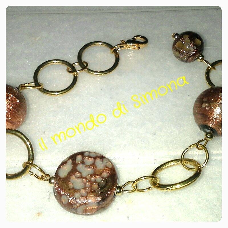 bracciale catena color oro con perle di vetro marrone