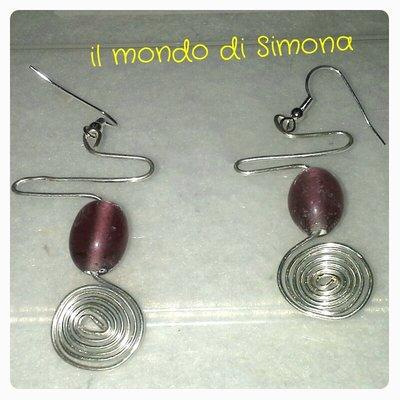 orecchini a spirale in alluminio con pietre di vetro viola