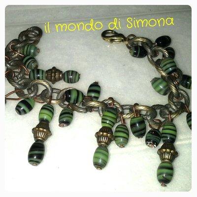 bracciale catena bronzo con pendenti di perline verdi