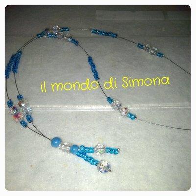 collana pendente perline azzurre e trasparenti