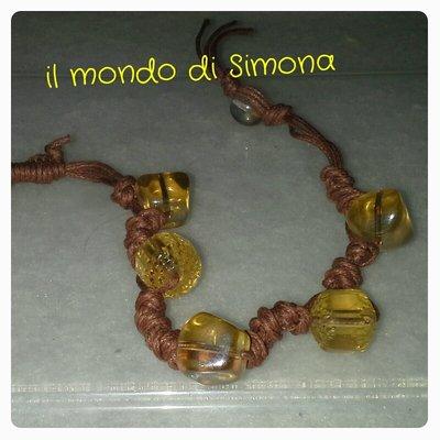 bracciale in corda con perle di vetro giallo