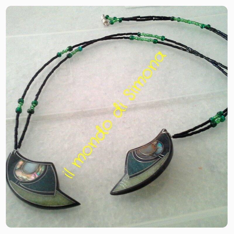 Collana luna nera e verde gioielli collane di il for Il verde mondo