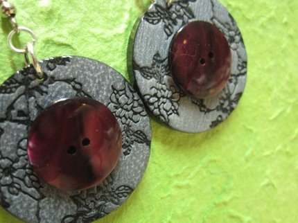 orecchini con BOTTONI grigio / bordeaux  -   BUTTON earrings handmade - grey / bordeaux - wear my vintage collection