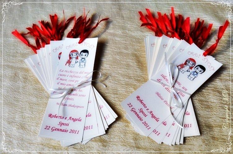 SEGNAPOSTO LOVE IS.. decorato a mano con nastrino - personalizzabile