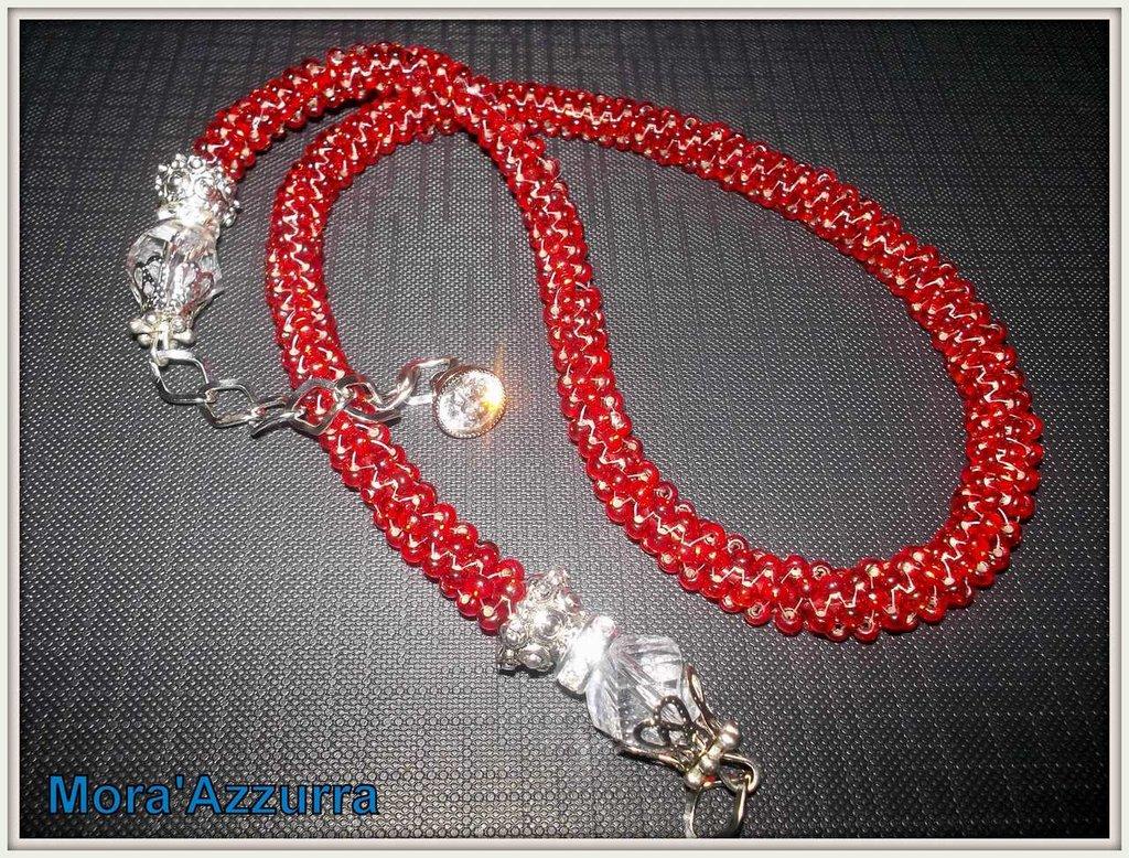 collana con perline spirale crochet