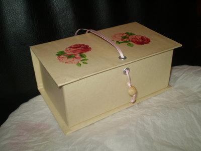 scatola con sapone.