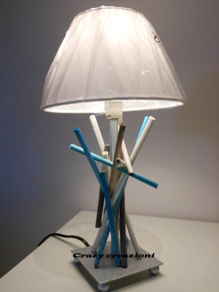 *Lampada da tavolo*
