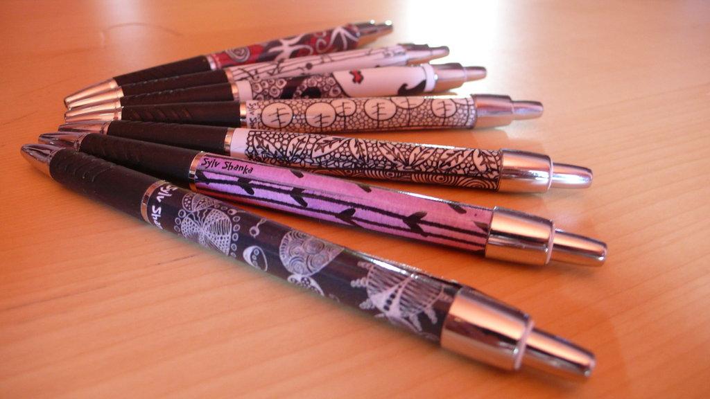 Penna con scarabocchio