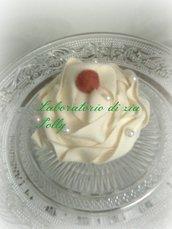 Cupcake con piccola fragolina