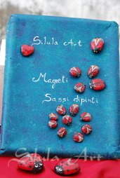 Coccinelle portafortuna, magneti su sassi dipinti a mano