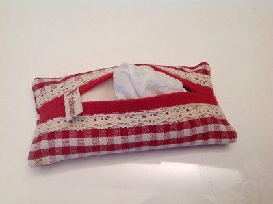 Portafazzoletti da borsa a quadretti rossi con pizzo