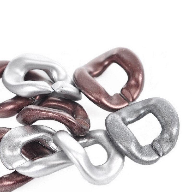 4 anelli,  Connettori  per Collana 49mmx41mm  plastica