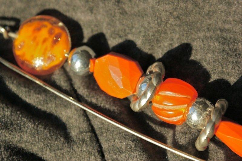 spillone allegro e colorato arancio