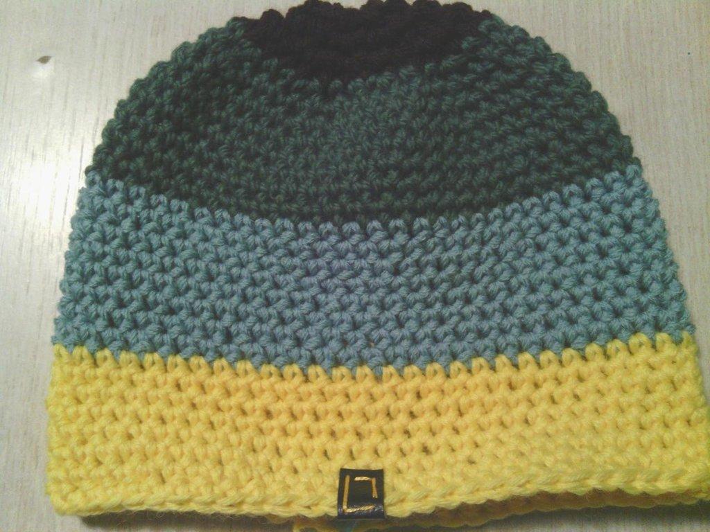 _cappello  uomo, donna  ragazzo in lana, fatto a mano all'uncinetto C066_