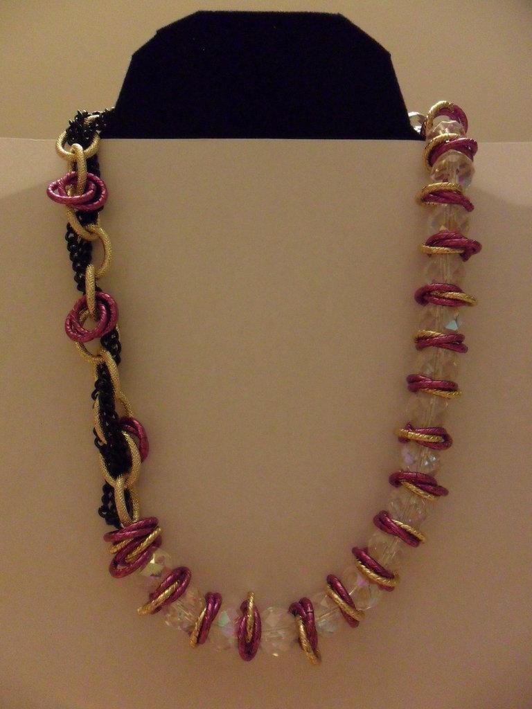 Collana viola e oro