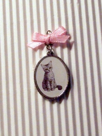 2 charms ciondolo gattino + fiocco rosa vend.