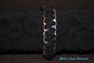 Braccialetto con doppia catena e fettuccia nera