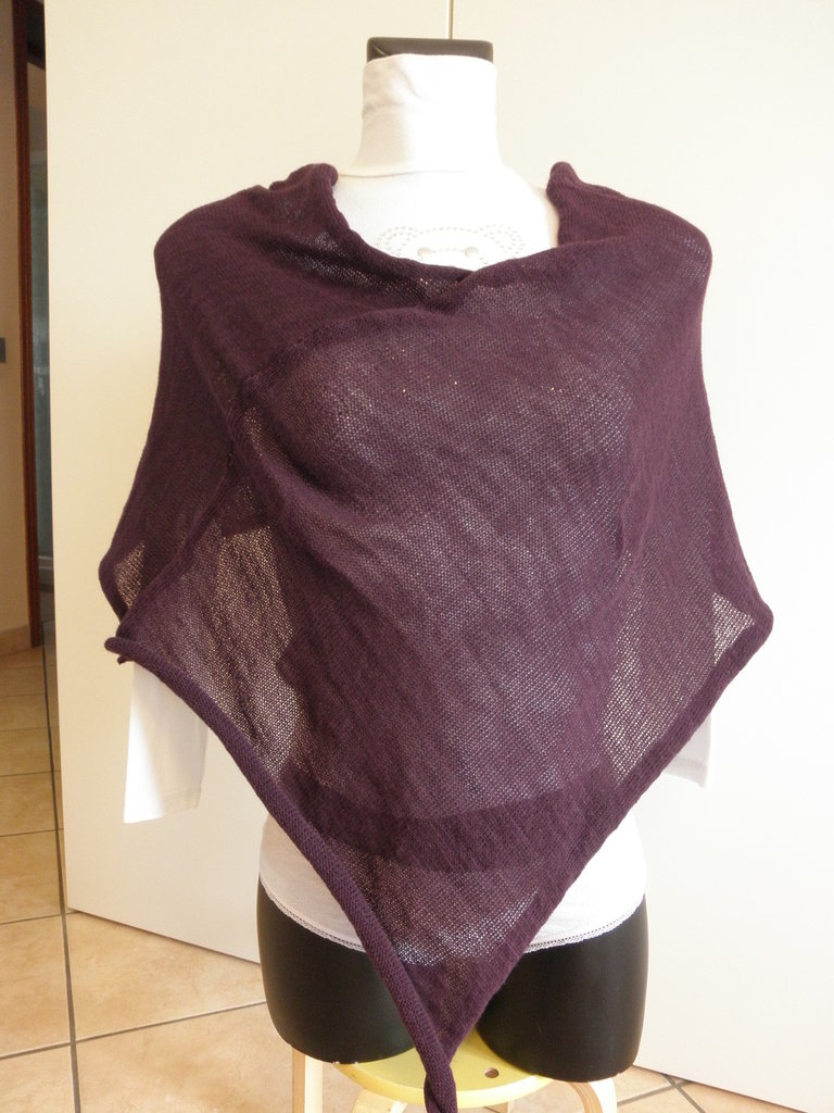 Poncho viola,misto lana,sottile e leggero,per donna