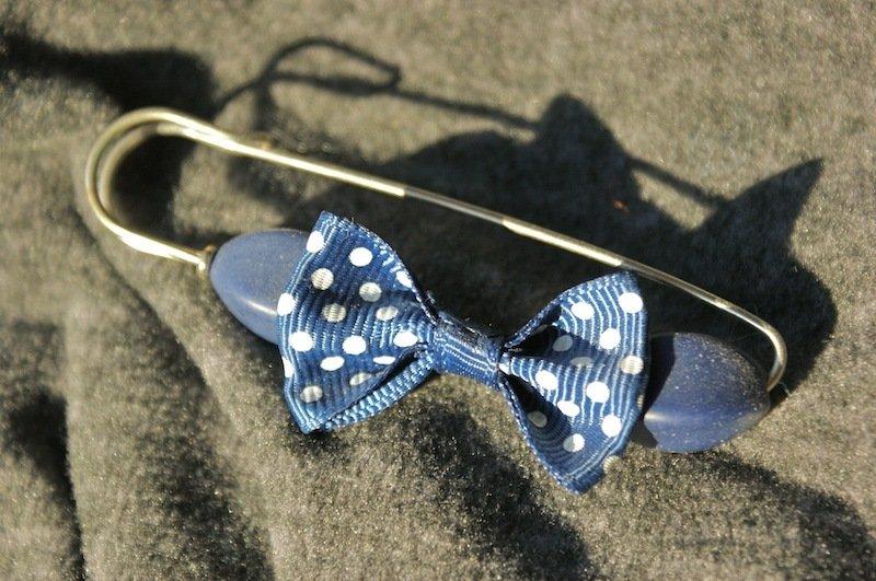 spilla allegra color blu