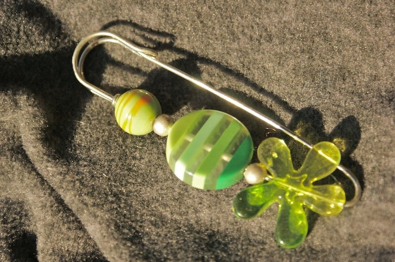 spilla allegra color verde