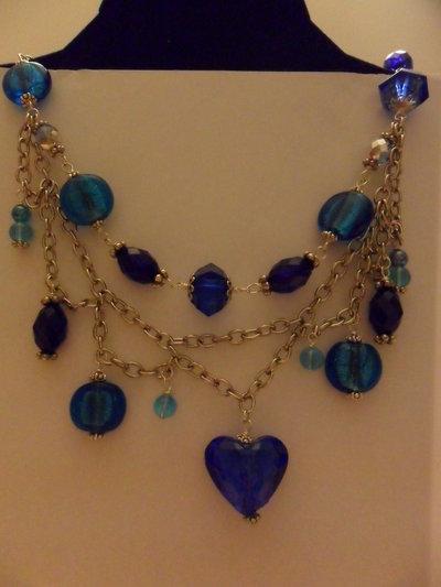 Collana blu con cuore
