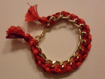 Bracciale con filo di cotone rosso