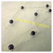 collana catenella a maglie piccole e perle di vetro nero/grigio