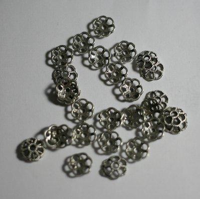 30 coppette argento antico 8mm. 30 coppette ancient silver 8mm.