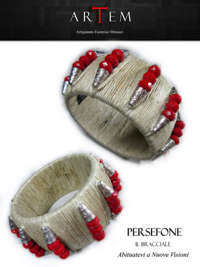 Bracciale PERSEFONE in legno rivestito in corda e impreziosito con Argento Tibetano e Mezzi Cristalli Rossi
