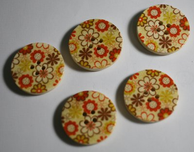 Bottoni legno 28mm. Fantasia. Buttons in wood 28mm fantasy.